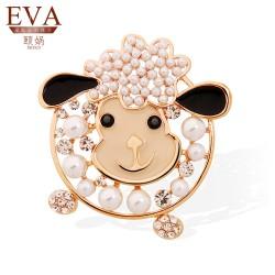 EVA颐娲 高端胸针品牌 时尚个性生肖小羊披肩扣 女高档珍珠动物胸花别针6131