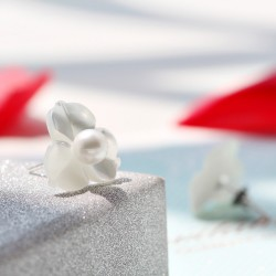 泊心云 品牌首饰 高档天然海水贝壳 925银耳针耳钉三叶花耳钉水晶般的美丽动人 X097