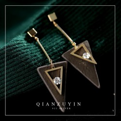 新款S925纯银耳针个性几何三角形耳钉 微镶锆石个性百搭冷淡风耳饰 Q298-68