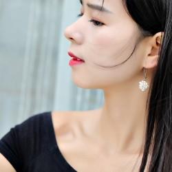 泊心云 小众设计淡水珍珠耳环少女长款气质耳坠韩国网红耳钩复古优雅耳饰 B011-66